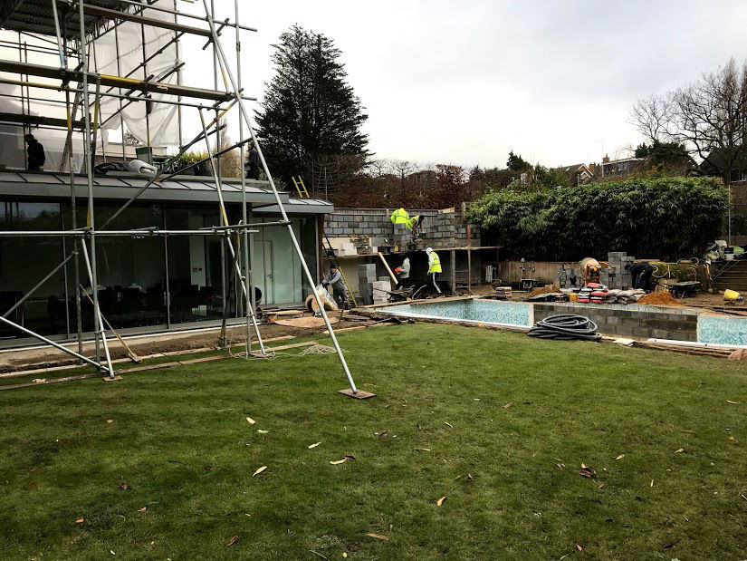 Construction of a Contemporary House Extension in Mill Hill, London
