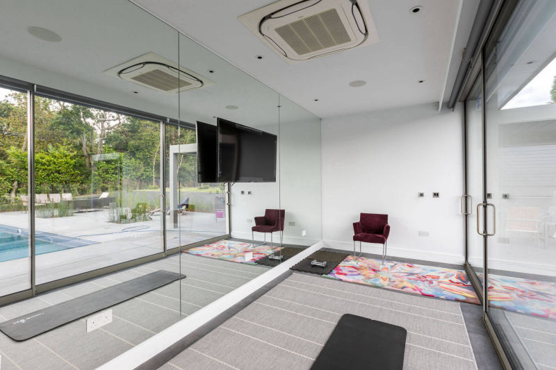 Sliding Glass Panels in a House Extension Built by MB Master Builders London