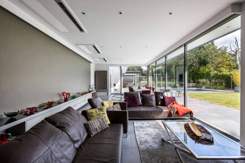 Interior of a Contemporary L Shaped House Extension in London