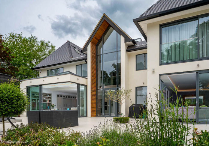 Modern New House in Hertfordshire - Buit by MB Master Builders Construction Company North London